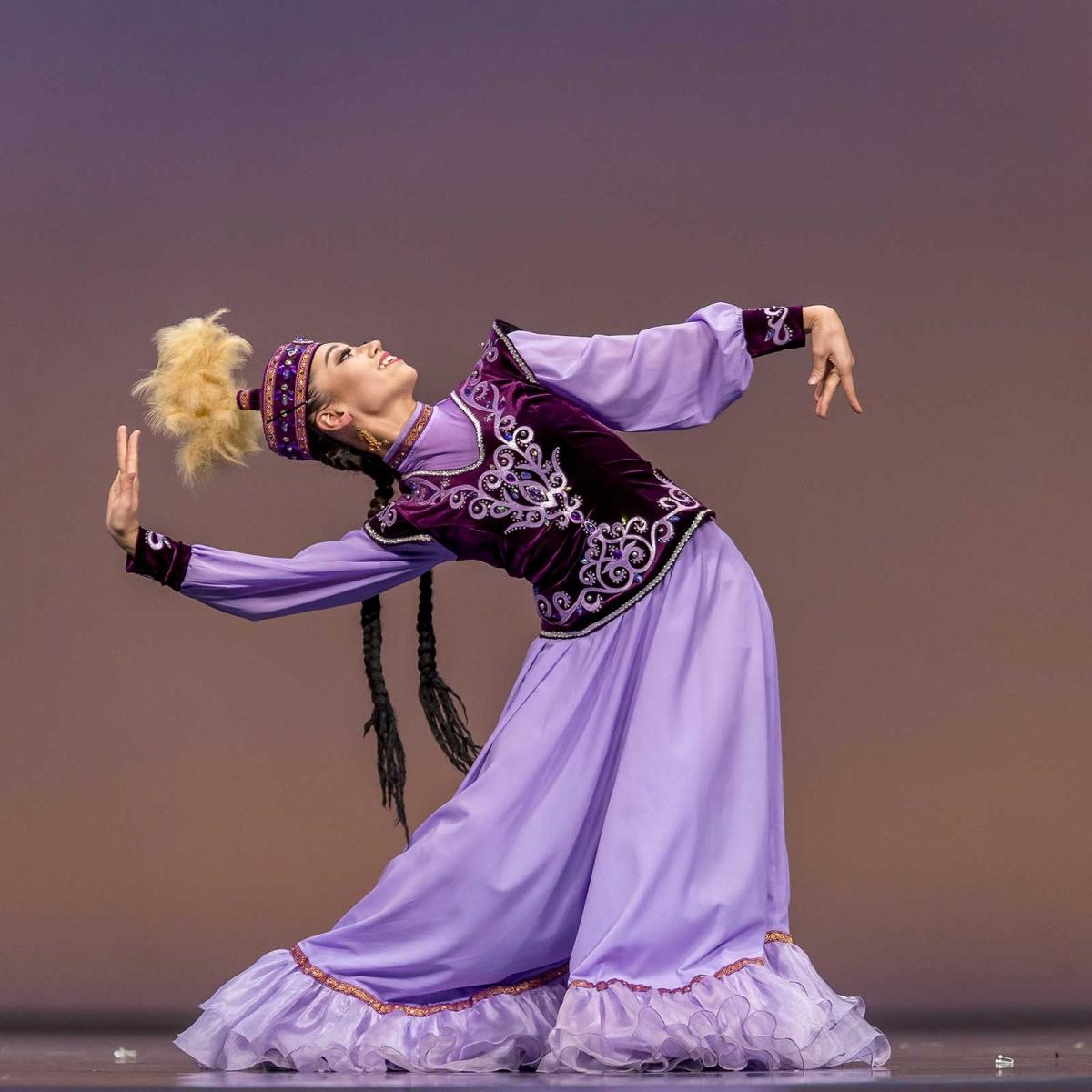 казахские национальные танцы картинки простой способ
